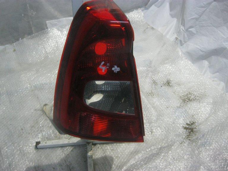 фонарь левый renault 8200744760